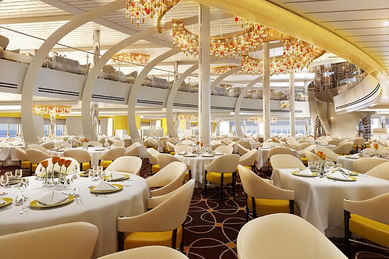 Pływające hotele: 5 statków, które zabiorą cię w luksusowy rejs dookoła świata